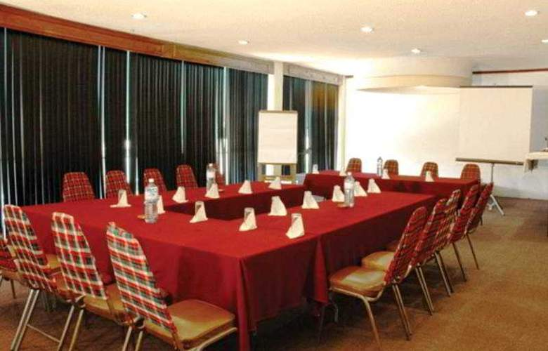 Villa del Sol and Suites - Conference - 10