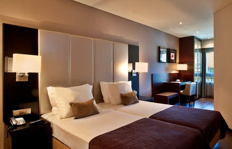 Turim Luxe - Room - 15