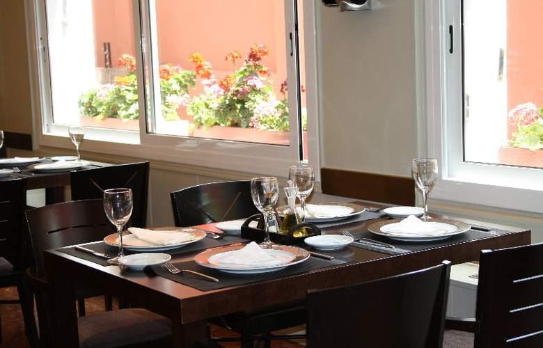 Atiram Tres Torres - Restaurant - 15