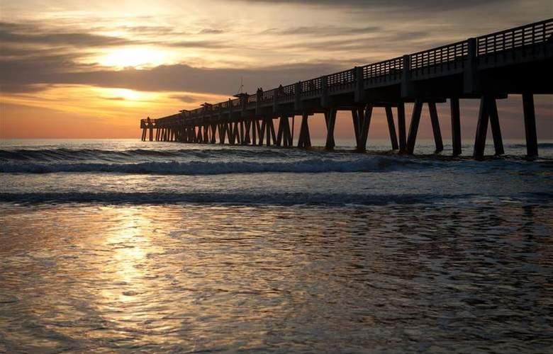 Best Western Oceanfront - Beach - 71