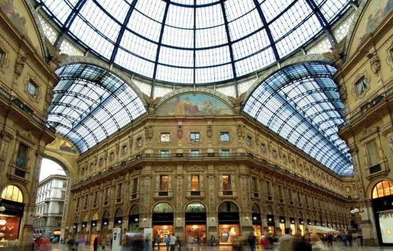 Seven Stars Galleria - Hotel - 0