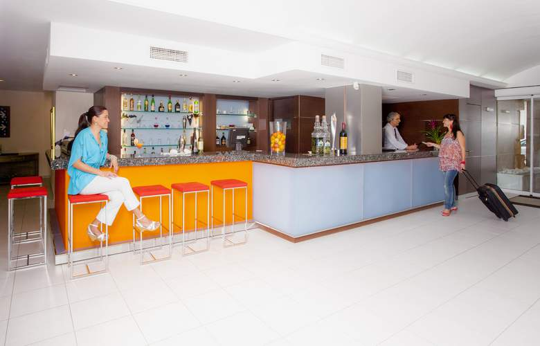 Caprice Alcudia Port by Ferrer Hotels - Bar - 3