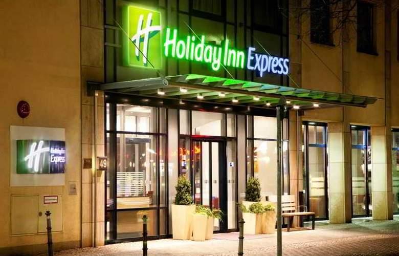 Holiday Inn Express Berlin City Centre - Hotel - 10
