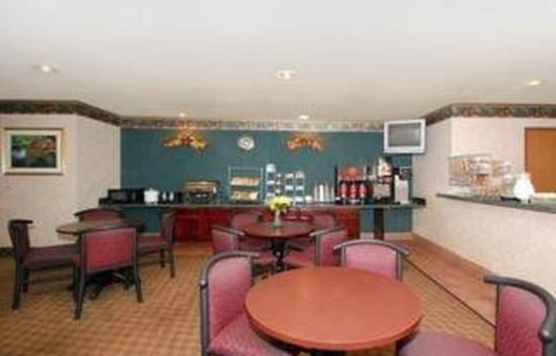 Comfort Suites Airport - Bar - 4
