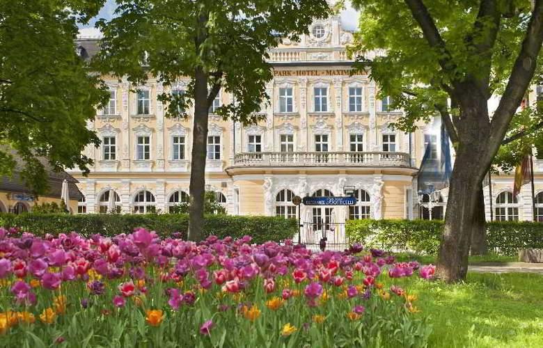 Eurostars Park Hotel Maximilian - Pool - 8