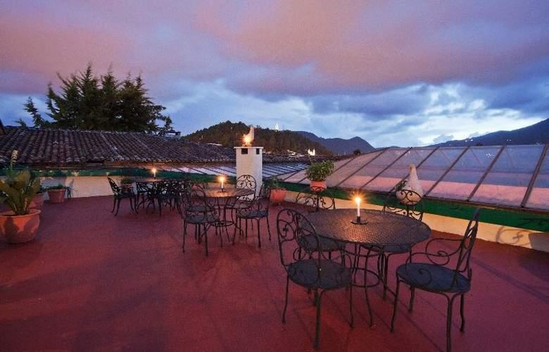 Holiday Inn San Cristobal - Terrace - 3