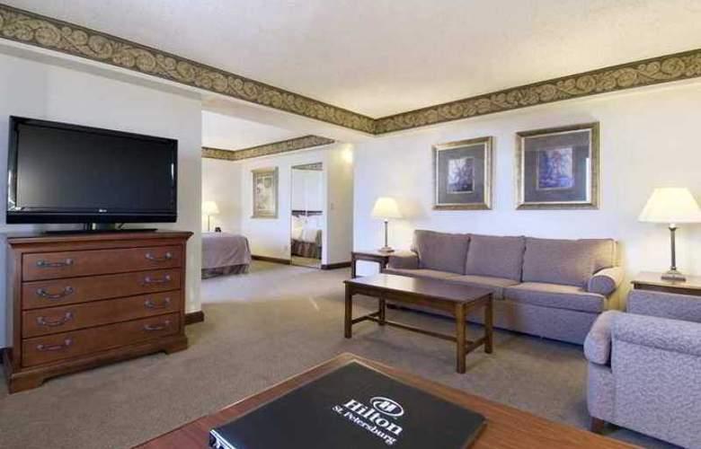 Hilton St. Petersburg Bayfront - Hotel - 3