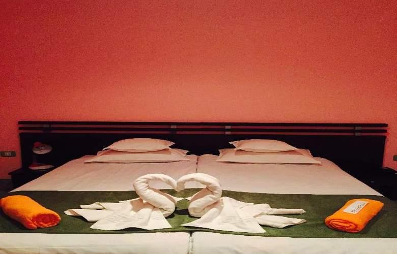 HOTEL MAREA NEAGRA - Room - 1