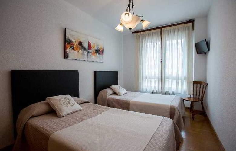 Apartamentos Gestion de Alojamientos - Room - 9