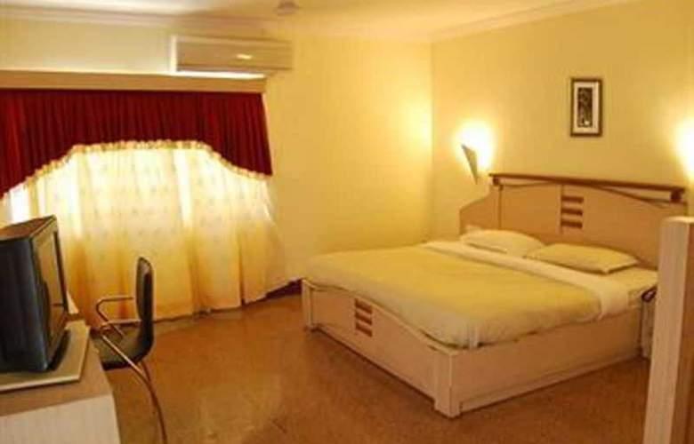 Silver Sands Beach Resort - Room - 11