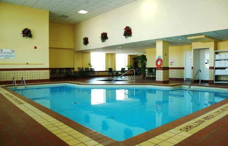 Hampton Inn by Hilton Ottawa - Pool - 0