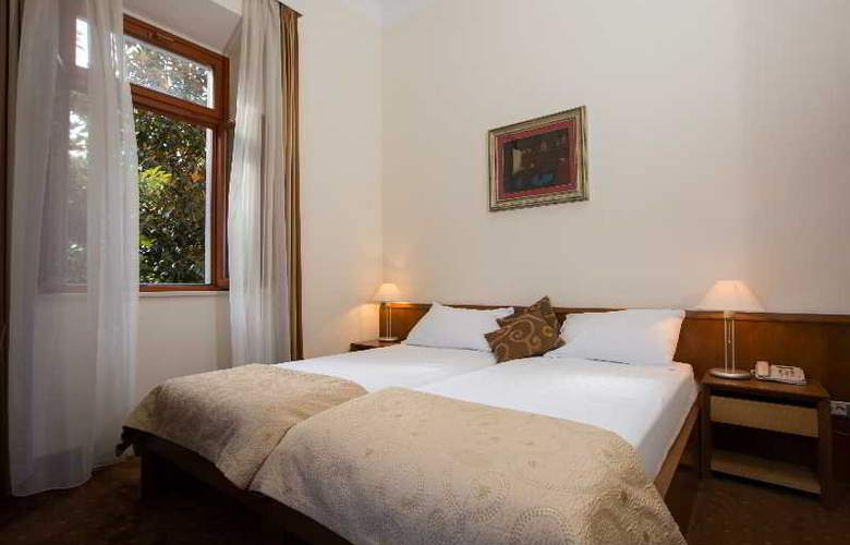Zagreb - Room - 12