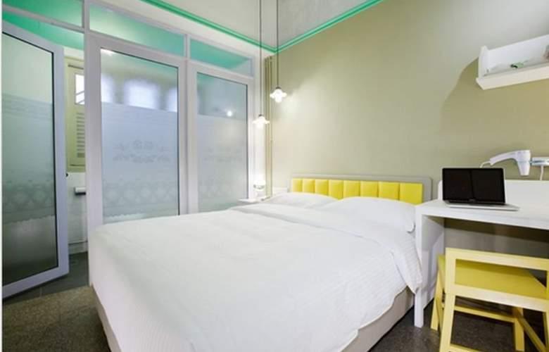 Kam Leng - Room - 6