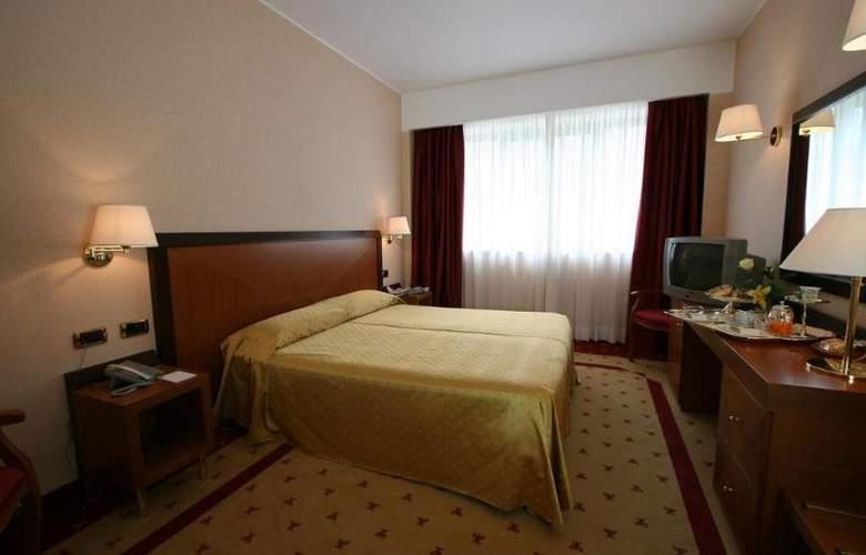 Grand Hotel La Chiusa Di Chietri - Room - 1