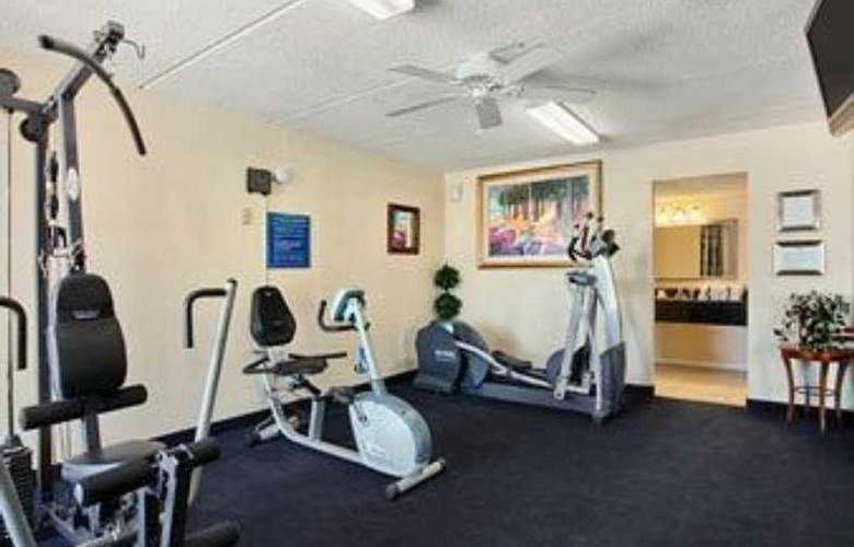 Days Inn Florida Mall - Sport - 11