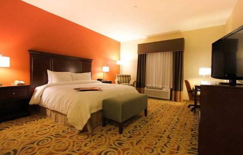 Hampton Inn and Suites Ocala - Room - 1