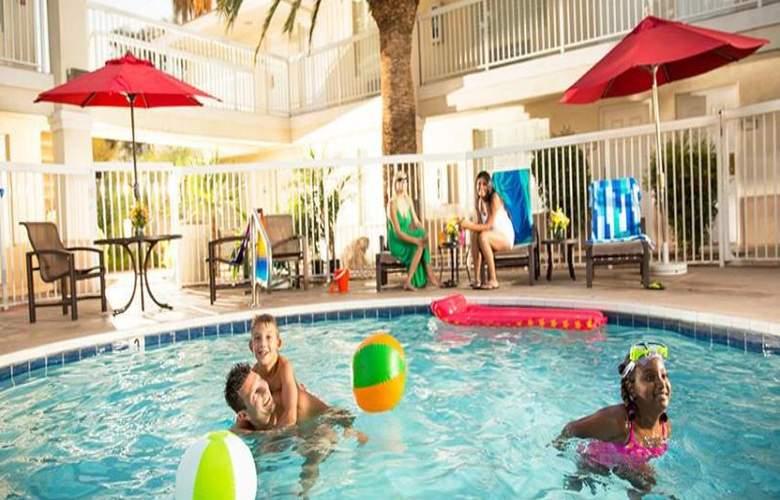 Hampton Inn & Suites Phoenix- Tempe -ASU - Pool - 10