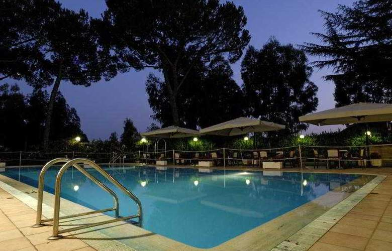 Holiday Inn Roma Aurelia - Pool - 3