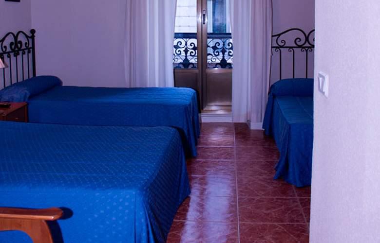 El Pilar - Room - 10