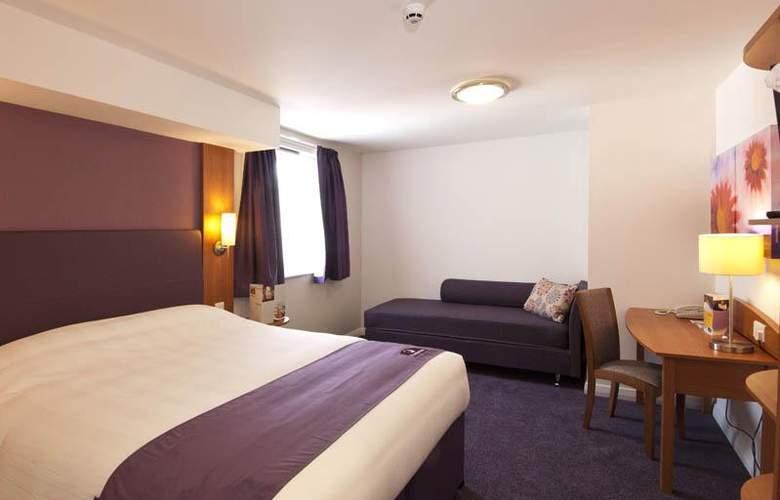 Premier Inn London Kensington Olympia - Room - 0