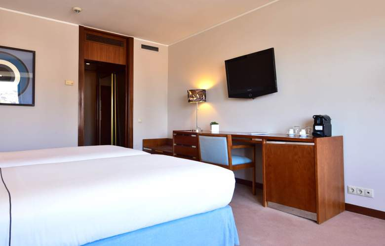 Tivoli Coimbra - Room - 15