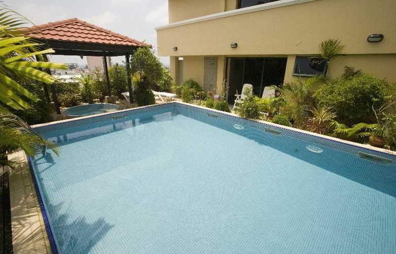 Mookai Hotel & Service Flats Pvt. Ltd - Pool - 9