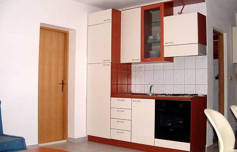 Apartman Klara - Room - 6