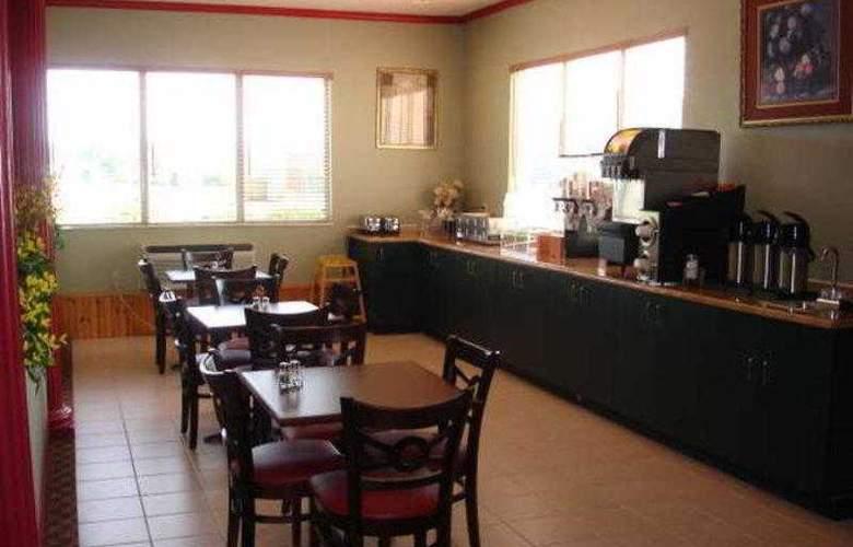 Best Western Teal Lake Inn - Hotel - 4