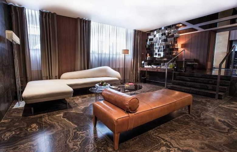 The Emblem Hotel - General - 5