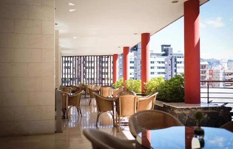 Hotel Escuela Santa Cruz - Terrace - 5