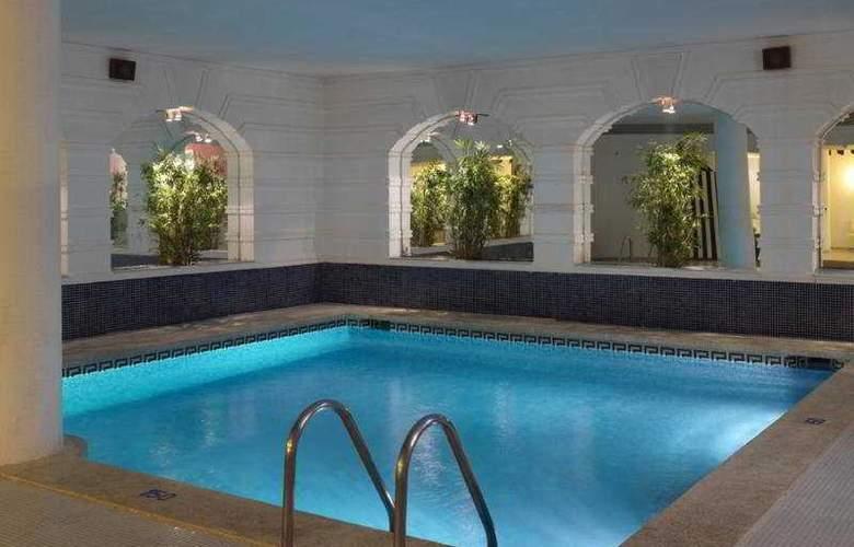 Augusta Club Hotel & Spa - Pool - 4
