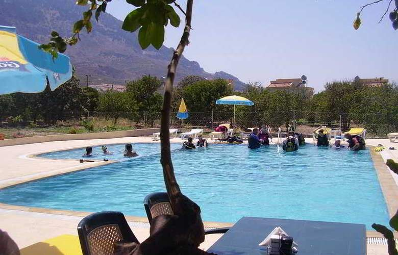 Lapida Hotel - Pool - 5