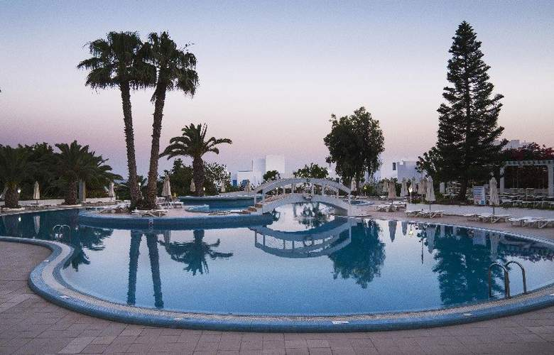Sol Azur Beach - Pool - 3