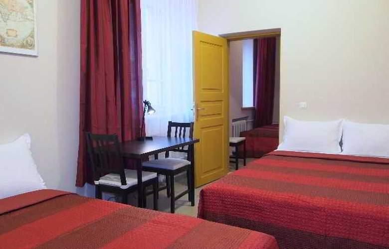 Telecom Guest - Room - 17
