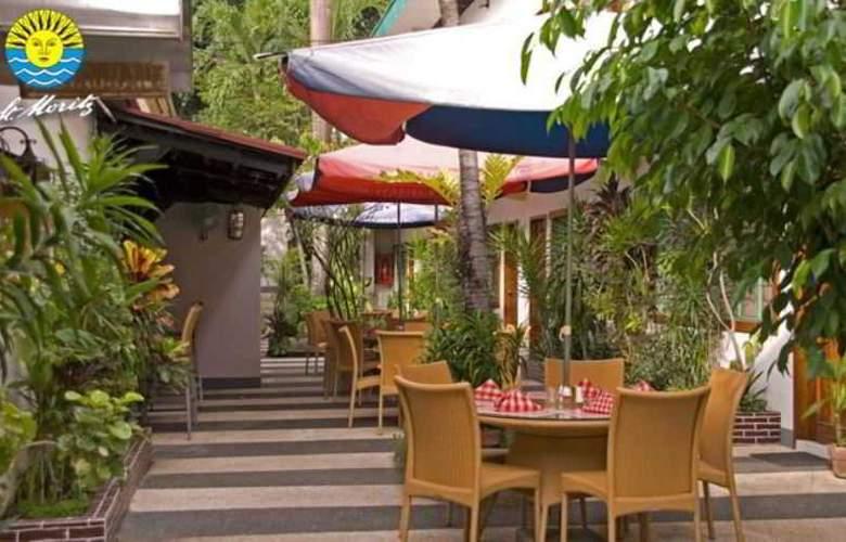 St. Moritz Hotel - Terrace - 5