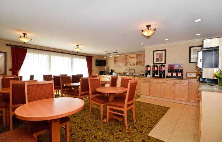 Best Western Langley Inn - Hotel - 27