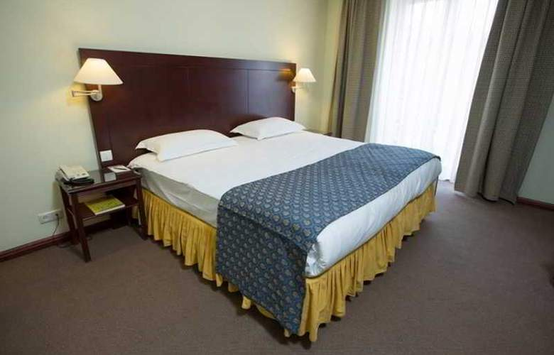 Europe Hotel - Room - 7