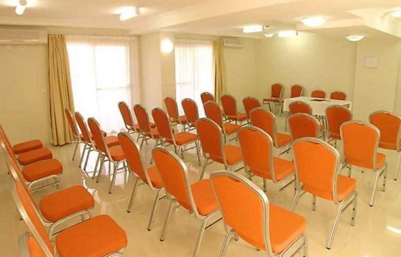 Comfort Inn & Suites Burwood - Conference - 0