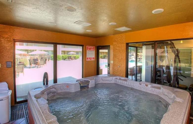 Best Western Foothills Inn - Pool - 81
