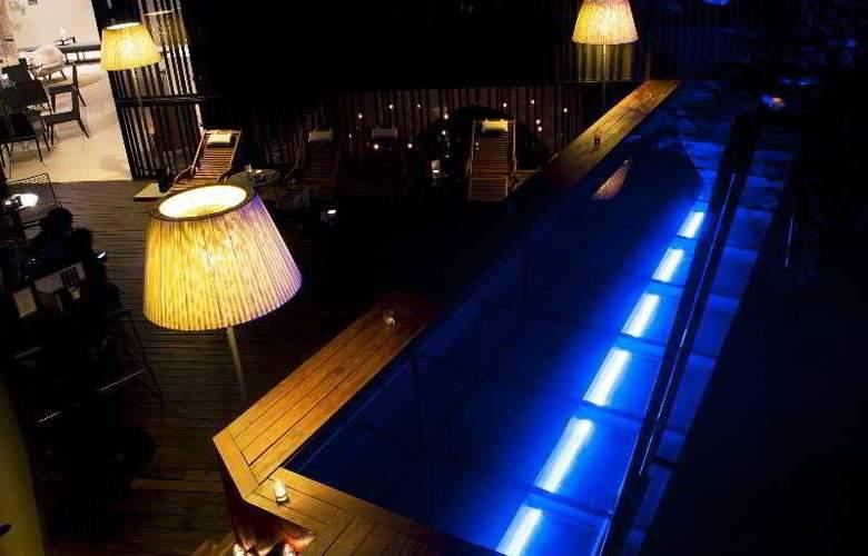 Caro Hotel - Pool - 15