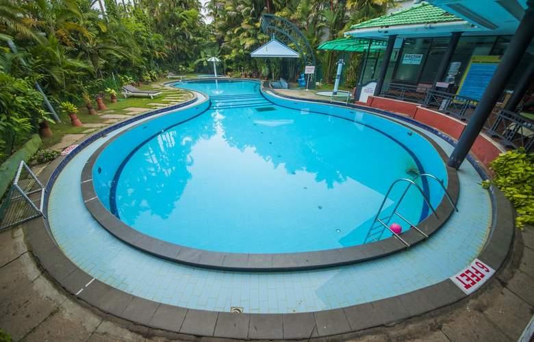 The Renai Cochin - Pool - 2