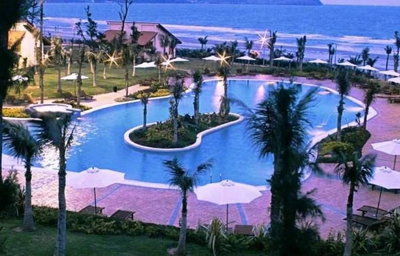 Pandanus Resort - Pool - 15