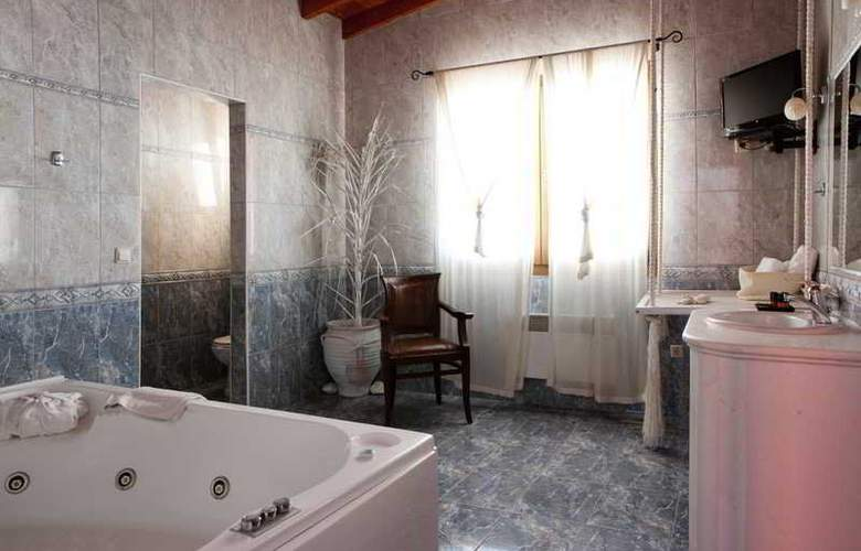 Alia Palace - Room - 9