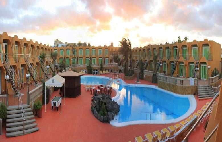 La Pirámide - Hotel - 5