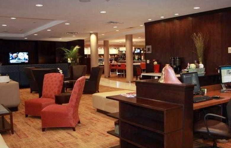 Courtyard Vicksburg - Hotel - 25