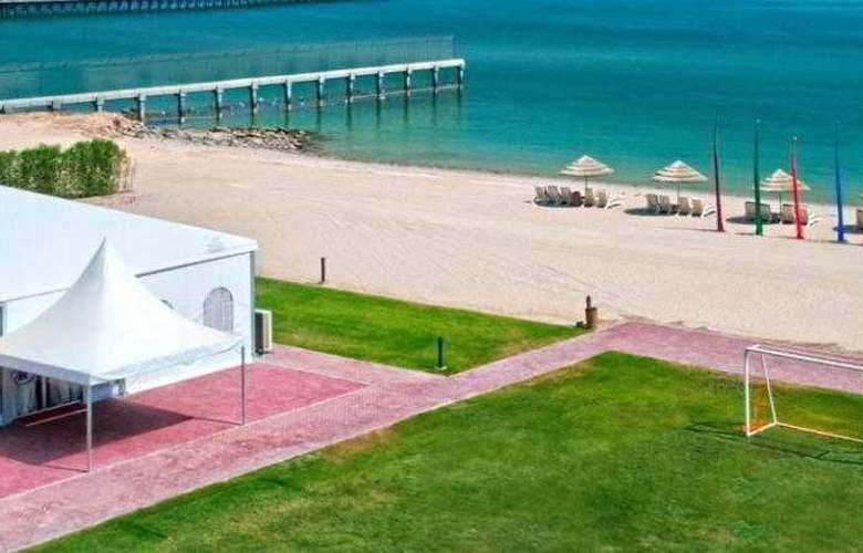 Hilton Kuwait Resort - Beach - 23