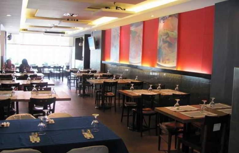 Robbinsdale Residences - Restaurant - 17