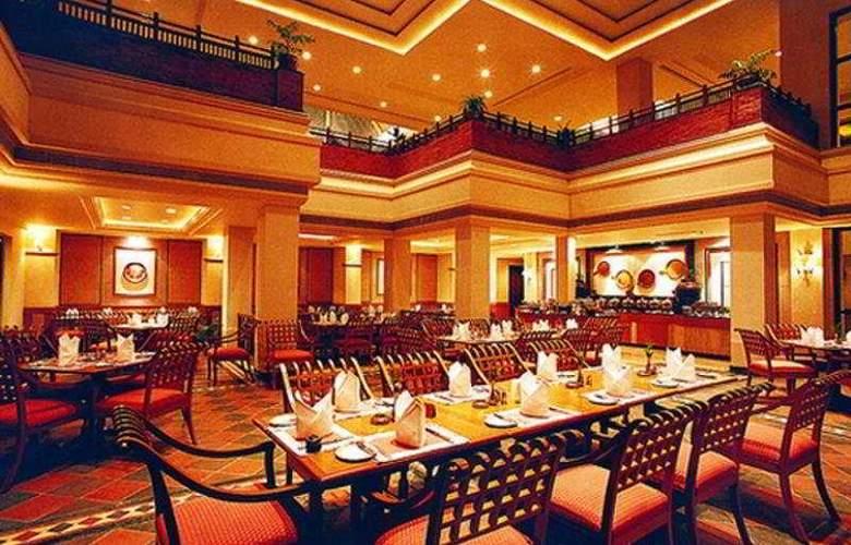 Fulbari Resort - Restaurant - 6