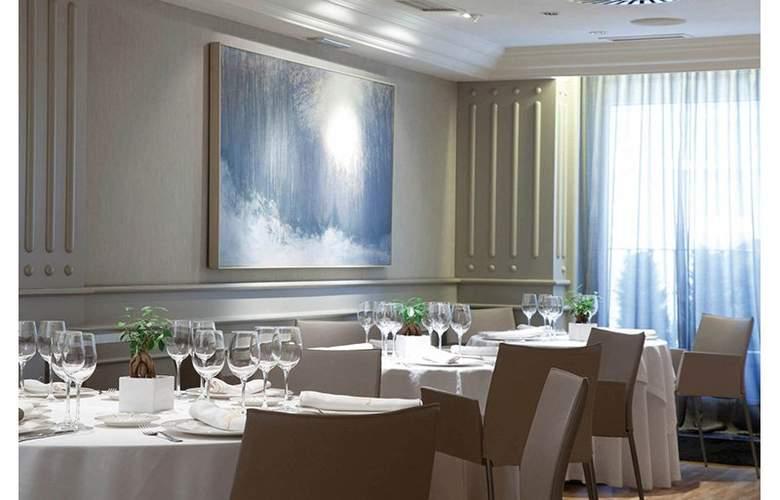 Sercotel Europa Pamplona - Restaurant - 4