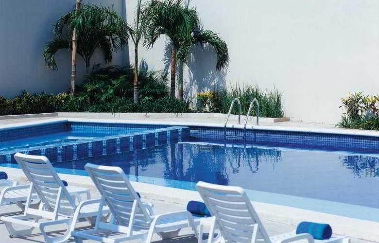 Fiesta Inn Tuxtla Gutierrez - Pool - 3